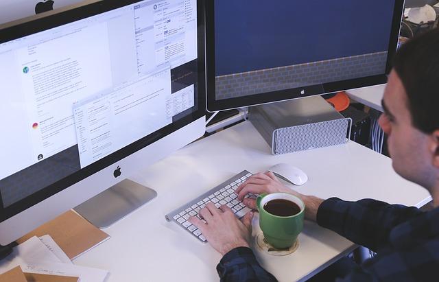 OiRA, pubblicata la circolare applicativa per la valutazione dei rischi nelle attività di ufficio