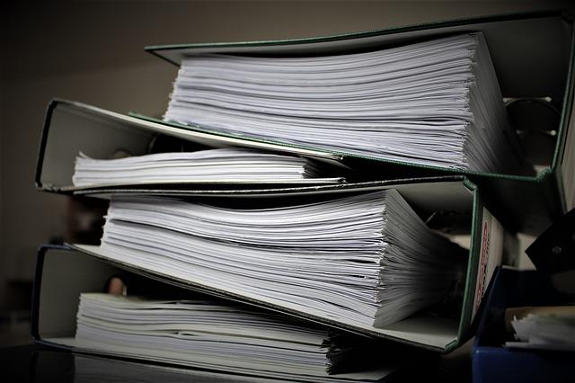 CGIA: la burocrazia legislativa produce una montagna di carte, oltre 30.600 pagine all'anno