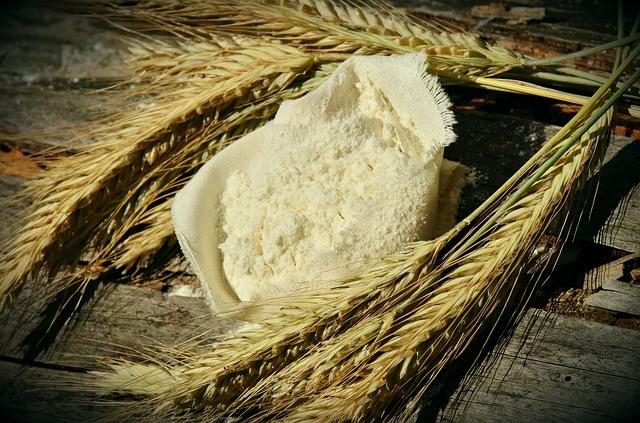 Prezzi all'ingrosso: ad agosto aumenti per la farina