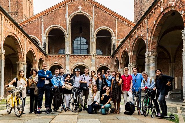 """Mobility week: tutti al lavoro senza auto? Si può fare. Tra bici, mezzi pubblici e veicoli """"alternativi"""" un'azienda di 40 persone risparmia 1,5 quintali di CO2 in un giorno"""