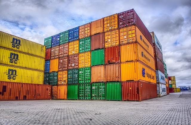 Commercio estero extra Ue: esportazioni in calo