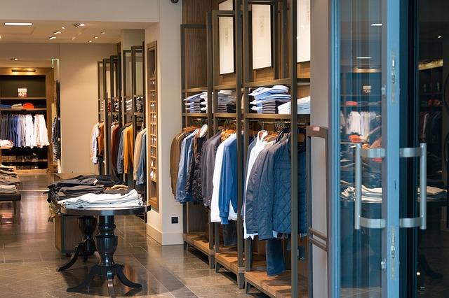 Commercio: Confesercenti, un buon agosto non basta a risollevare il 2018 dei negozi