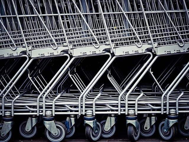 Cresce il reddito delle famiglie, ma i consumi restano al palo