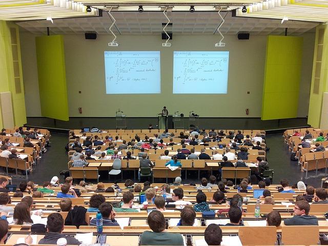 In Lombardia 13.000 studenti internazionali (+2,4%), metà studia materie scientifiche; il 40% proviene dall'Asia