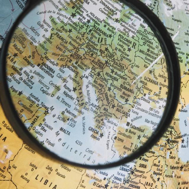 Centro Studi Confindustria: si assottiglia la crescita in Italia e nell'Eurozona, resta forte la dinamica USA. Elevati i rischi