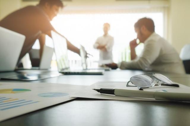 IHS Markit PMI: torna a crescere l'attività del terziario di novembre