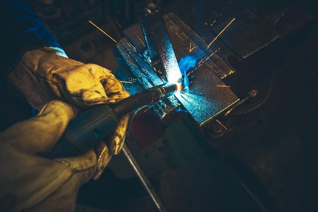 MARKIT PMI: le condizioni operative del settore manifatturiero italiano peggiorano al tasso maggiore in più di cinque anni e mezzo