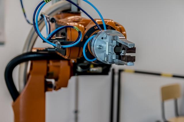 La fabbrica del futuro è già una realtà con l'adozione di robot di servizio