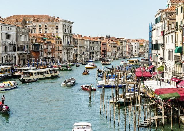 Turismo: Assoturismo-CST, primavera con il segno più. Per Pasqua e Ponti 13,4 milioni di presenze (+2,1%)