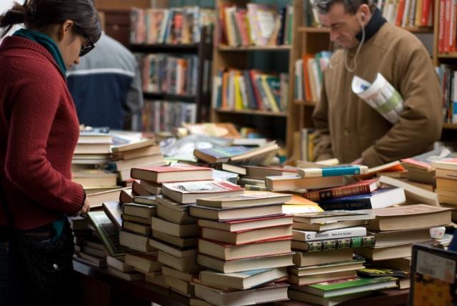 """Editoria: sono 4mila i """"custodi"""" dei libri. Negli ultimi cinque anni scomparse 200 imprese"""