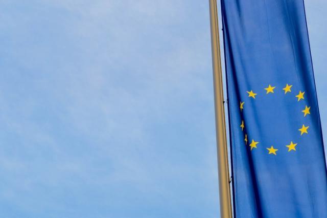 IHS Markit PMI: il settore manifatturiero dell'eurozona a giugno rimane in contrazione