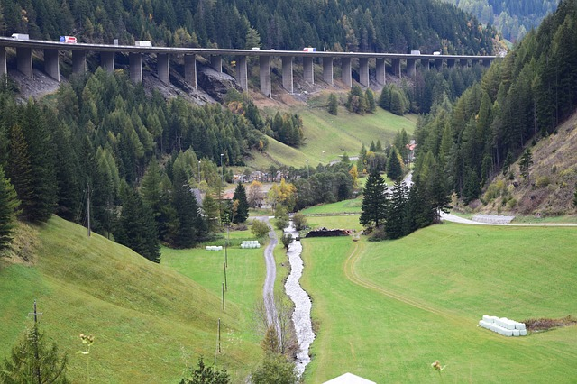 Brennero: in arrivo limitazioni al traffico dei Tir. A rischio le esportazioni italiane