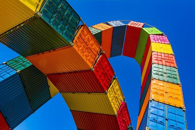 Commercio estero extra Ue: a maggio in aumento esportazioni e importazioni
