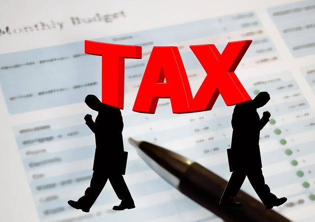 Giù le tasse, tagliando deduzioni e detrazioni fiscali ai più abbienti
