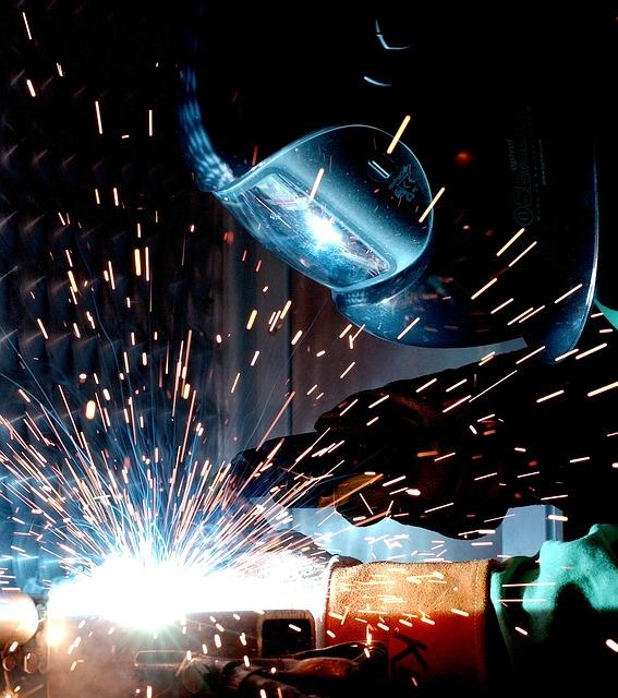Industria, fatturato cresce a maggio +1,6%