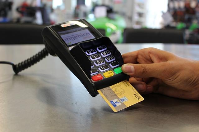 Stop al contante: la strada urgente dei pagamenti digitali