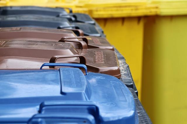 Istat: nel 2017 è diminuita la produzione di rifiuti e aumentata la raccolta differenziata