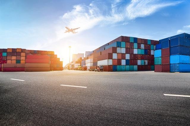 Istat: marcato aumento congiunturale per le esportazioni (+6,1%) e contrazione per le importazioni