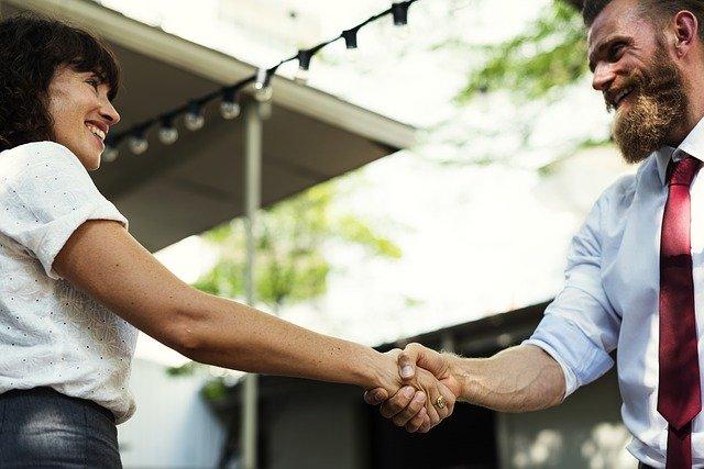 Hays: tra i benefit aziendali più apprezzati dai professionisti, al primo posto le lodi del capo
