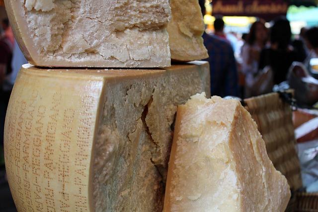 Grana e Parmigiano, calo dei prezzi dopo oltre un anno