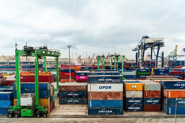 Istat: a settembre l'export continua a crescere