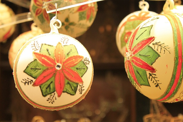 Natale: Confesercenti-SWG, meno consumista e più sostenibile, nel segno della tecnologia e dei viaggi