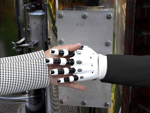 Nel 2020 due aziende su tre utilizzeranno i robot per le attività più ripetitive e pericolose