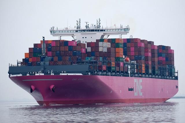 Istat: a ottobre export in crescita e flessione delle importazioni