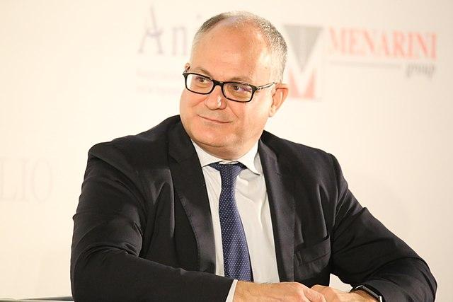 Coronavirus: il ministro Gualtieri ha firmato il decreto per la sospensione dei versamenti e degli adempimenti tributari