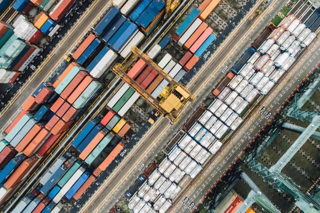 Commercio estero: a gennaio export e import in forte crescita