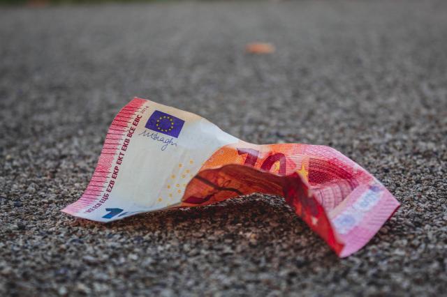 A febbraio lieve decelerazione dell'inflazione
