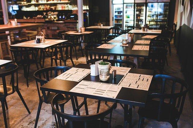 Acconciatori e ristoratori: in queste 2 settimane di chiusura obbligatoria persi quasi 127 milioni di fatturato