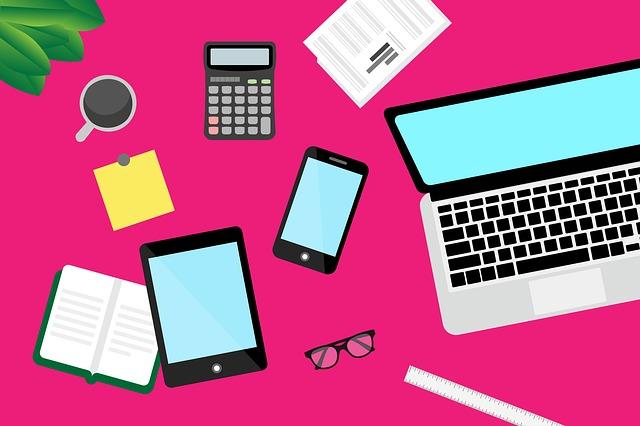 Smart Working: da sud a nord ecco alcune abitudini per rendere meno monotono il lavoro da casa