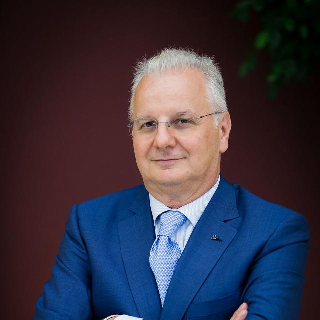 Galassi (A.P.I.): «Le PMI stanno reagendo alla crisi, ma l'Italia deve tornare a investire sul manifatturiero e tagliare le tasse»