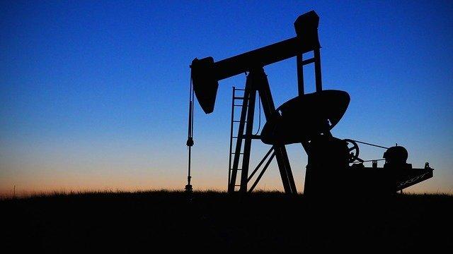 Petrolio, che cosa ha portato il prezzo sottozero e quali sono le conseguenze?
