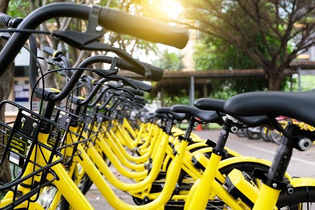 Come avviare un servizio di bike sharing con i Green Alley Awards: disposti fino a 25 mila euro per idee di economia circolare