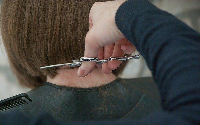 Parrucchieri ed estetisti, pubblicate le raccomandazioni di Inail e Iss per la ripresa delle attività dopo il lockdown