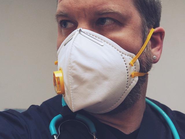 Covid-19, oltre 43mila le infezioni di origine professionale denunciate all'Inail