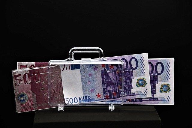 Liquidità per famiglie e imprese: gli strumenti in campo