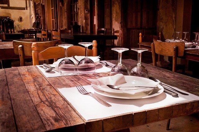 Fase 2: Unimpresa, a giugno il 30% di ristoranti e negozi non riaprirà