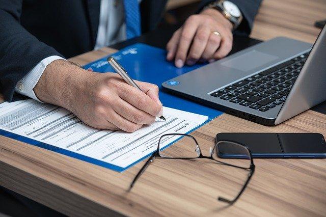 Smart working per avvocati, commercialisti e consulenti del lavoro in 2 studi su 3, ma i dipendenti sono ancora poco coinvolti