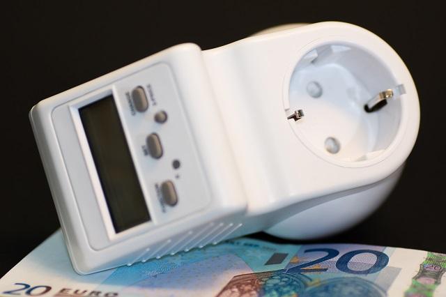 Energia e gas: cala il costo per le imprese