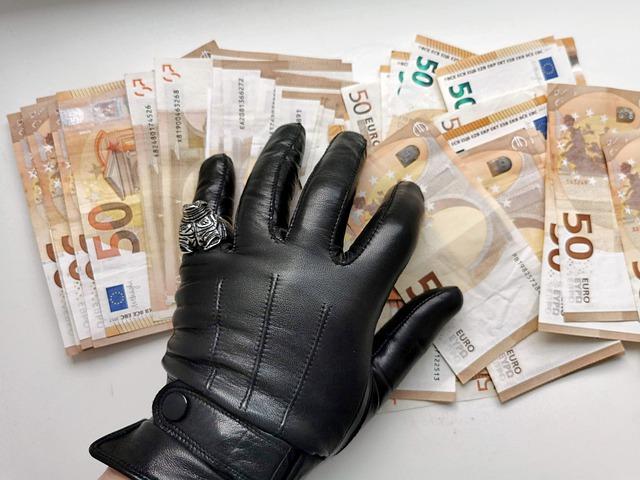 Indagine Confcommercio: durante il Covid-19, la pressione della criminalità sul 10% delle imprese del terziario, 1 imprenditore su 5 preoccupato per fenomeni criminali nel proprio quartiere