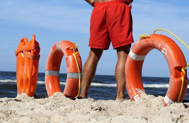 30mila imprese balneari in difficoltà perché i bagnini non possono fare il test sierologico