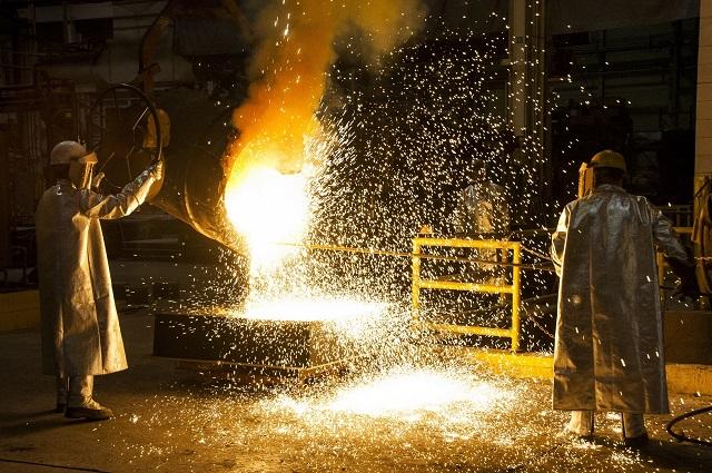A maggio, lieve calo congiunturale dei prezzi alla produzione dell'industria, forte calo per quelli dei servizi
