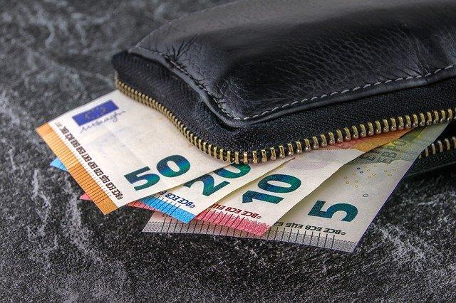 Credito e liquidità per famiglie e imprese: oltre 292 miliardi di euro le domande di moratoria sui prestiti; 57 miliardi il valore delle domande al Fondo di Garanzia per le PMI; 9,6 miliardi di euro le garanzie emesse da SACE