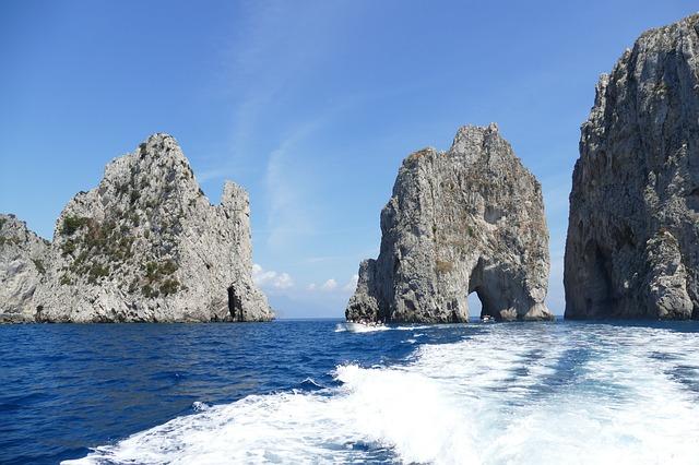 Turismo, per gli italiani un agosto al mare