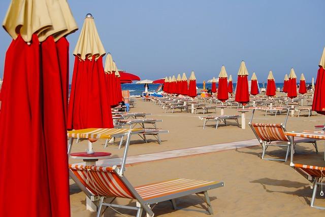 Turismo 2020: in Italia vince la cautela. Calano arrivi e partenze, chi viaggia, lo fa in Italia, in macchina e sottoscrivendo un'assicurazione
