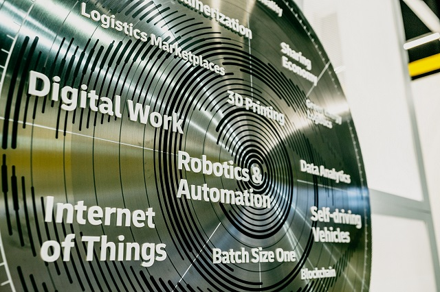 DHL Logistics Trend Radar svela i trend che stanno plasmando il futuro della logistica: Intelligenza Artificiale, Robotica, Informatica Quantistica, Sostenibilità e instabilità dei mercati