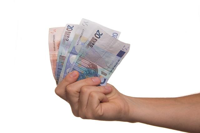 Banche: Unimpresa, prestiti alle aziende crollati di 186 miliardi in 10 anni